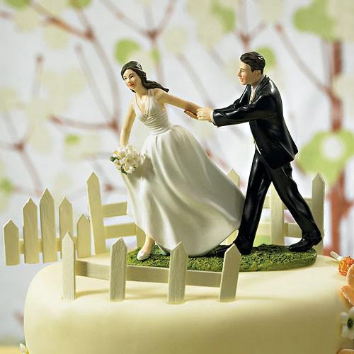 """PORC_040.-Figura de pastel """"Carrera hacia el altar""""."""