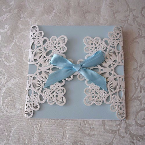 "IBB1005.- Paquete de 50 Invitaciones para Bautizo ""Blue and white Lace"""