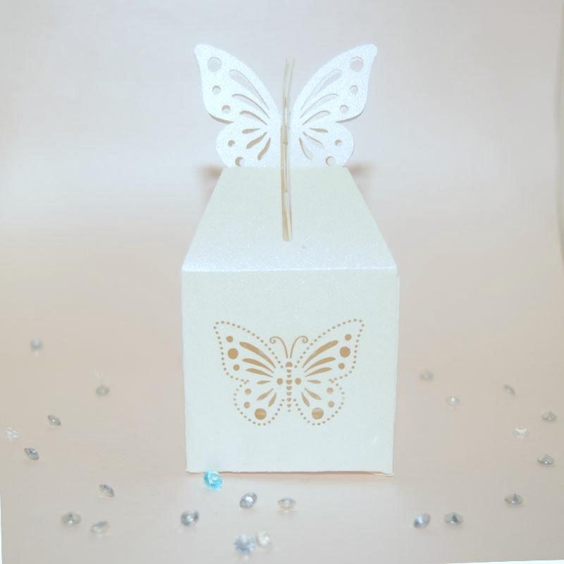 Dulcero de mariposa tipo caja.