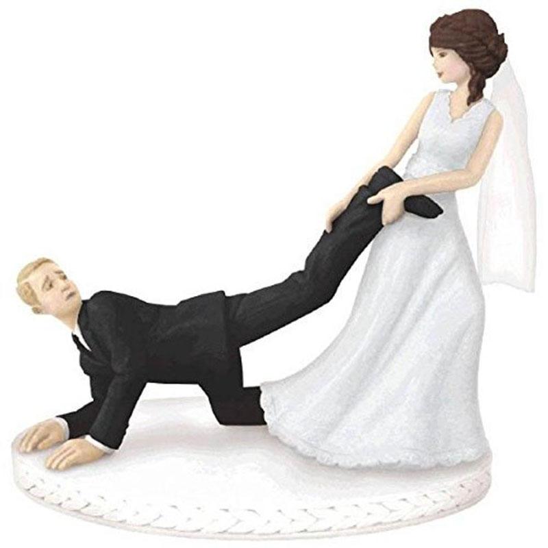 Figuras para pastel cómica jalando el amor