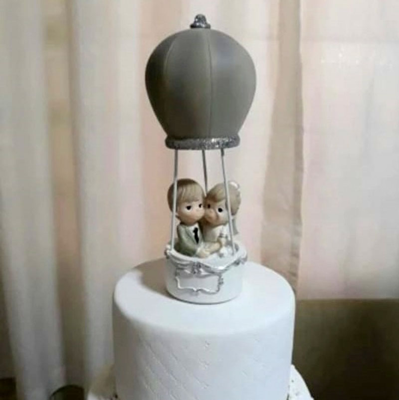 Figura para pastel Novios coquetos en Globo