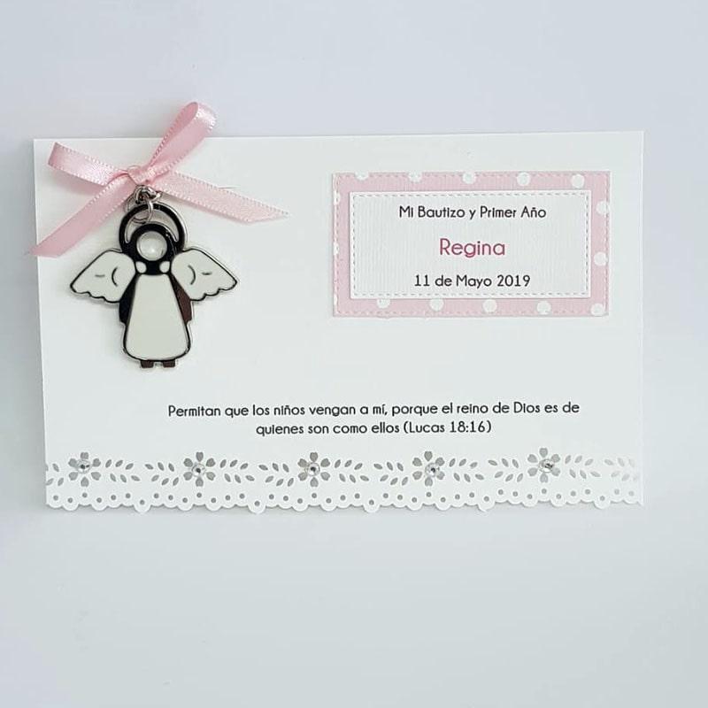 Llavero angelita blanca con tarjeta