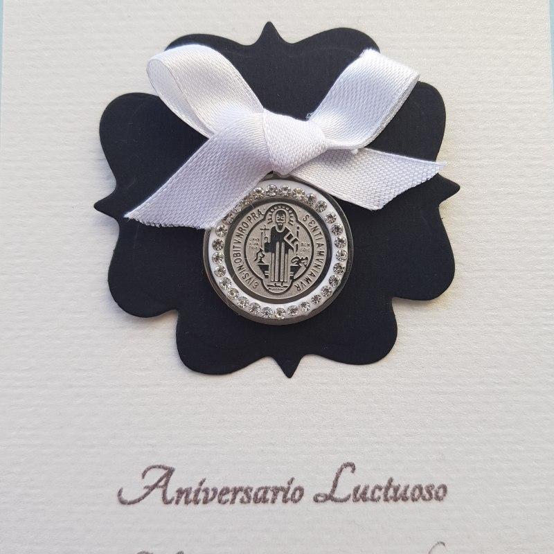 Recuerdo luctuoso con medalla San Benito