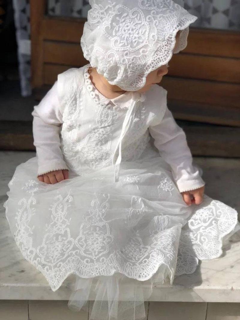Ropón de Bautizo para niña elaborado en encaje