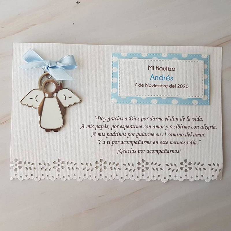 Llavero angelito blanco con tarjeta