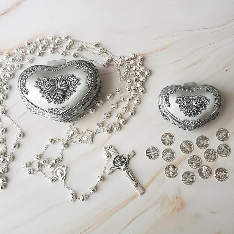 Set de arras de 18 mm y lazo Rose Silver con cruz de San Benito y cofres modelo Fiori
