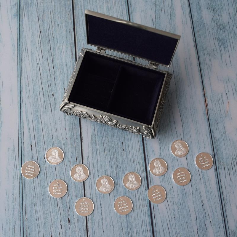 Cofre rectangular Pewter con flores y arras plata pura Virgen de Guadalupe