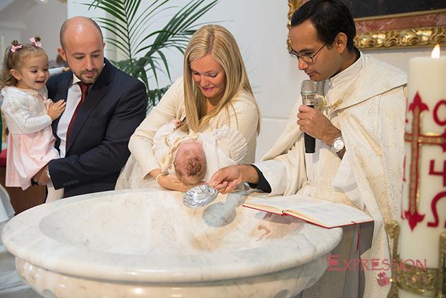 El Bautizo es el sacramento más hermoso para la religión católica, es la presentación de un nuevo ser que se entrega a Dios.